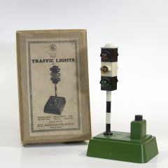 Signalling Equipment Ltd. No. 720 Model metal battery operated traffic light, Potters Bar, Middx. England