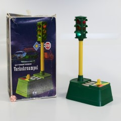 Plastic traffic light. Battery-operated  manually selectable. By Focus Enterprises Co. Ltd #2620. Made in China.