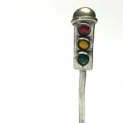 Traffic light pipe tamper