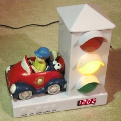 Children's lighted Stoplight Sleep Enhancing Alarm Clock , by Cixi JinChench Electric Factory, Imported by Myco International