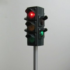 Automatic or manually controlled electronic traffic light