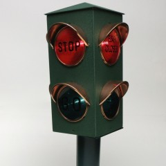 Stop/Closed, Go/Open bar-pub lamp with individual switches
