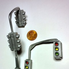 Traffic signals from Hot Wheels Deluxe City Hot Rod Garage Playset, Model: 47106, Part Number: 110007 from 2012