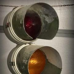 GE Streamline 8-inch traffic light, manufactured 1952-1957