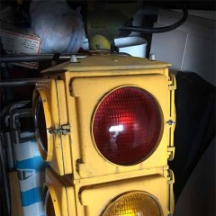 Crouse-Hinds Type M fixed 4-way traffic light