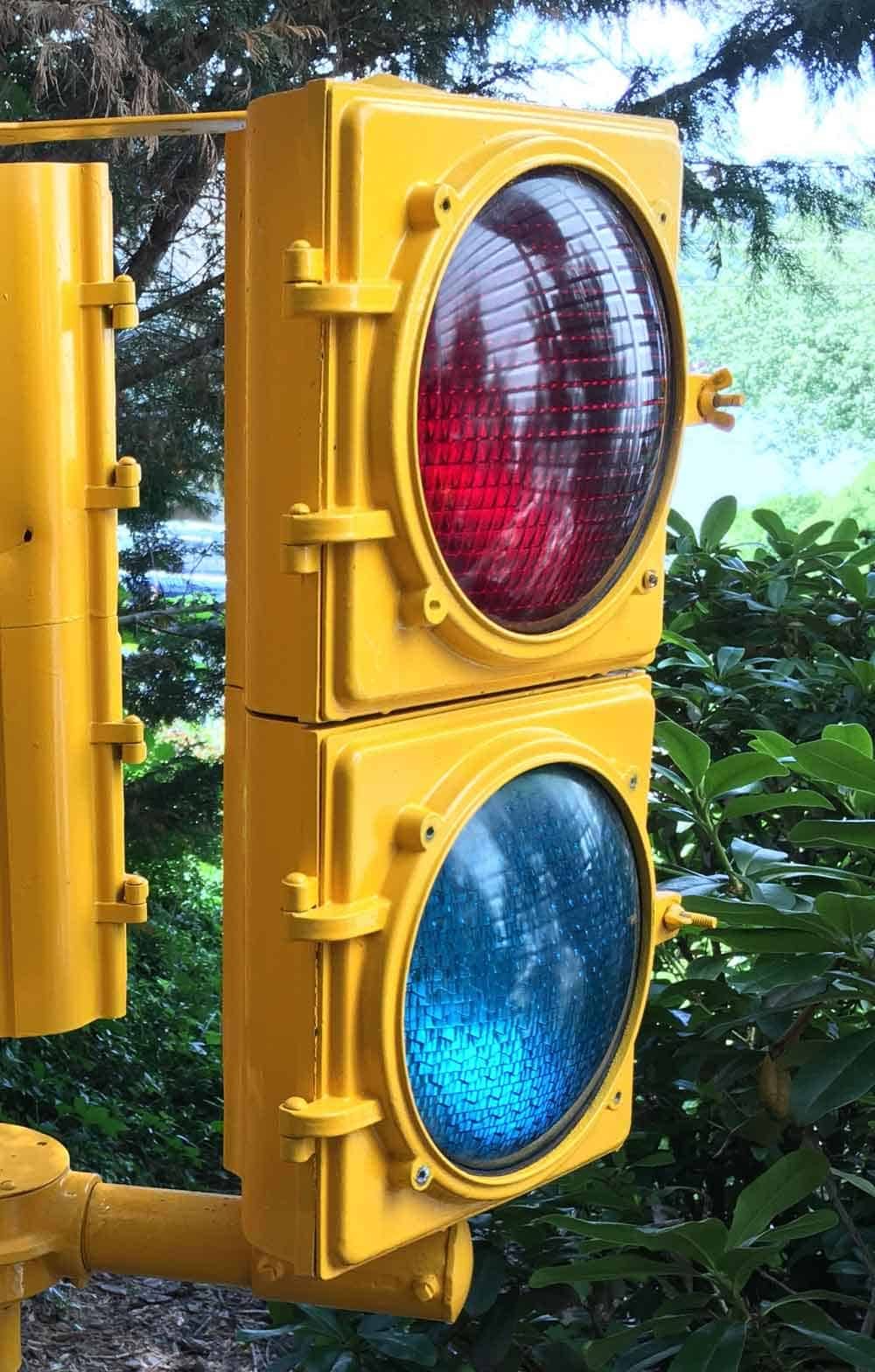 Why Is There A Blue Lens On The Traffic Light My